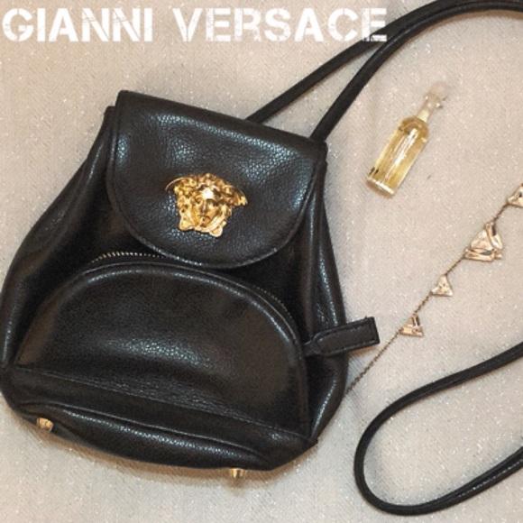 GIANNI VERSACE Leather Purse Crossbody Bag Vintage.  M 5a57933572ea883dfc0188eb f18b2b649bfc5